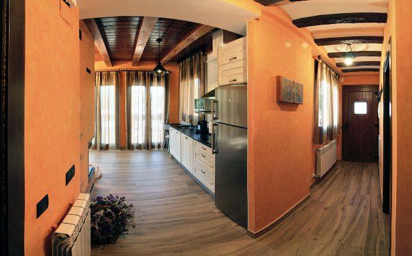 Apartamento Canela: Cocina y entrada.