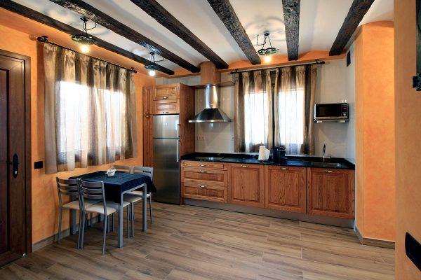 Apartamento Calleja: Cocina y comedor.